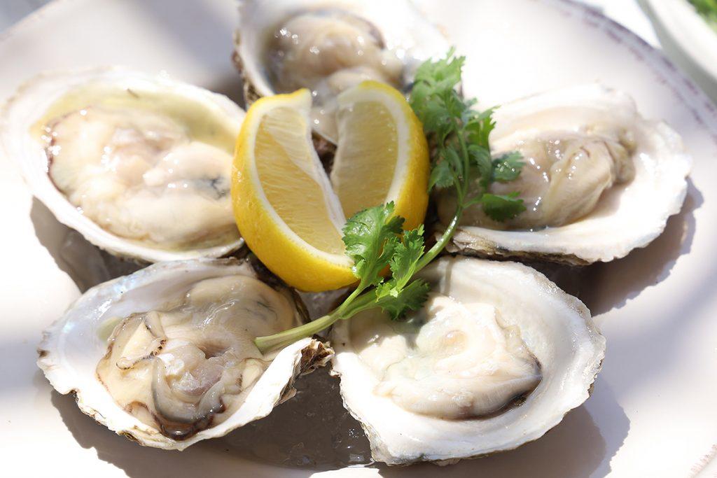 หอยนางรมสด - เมนู