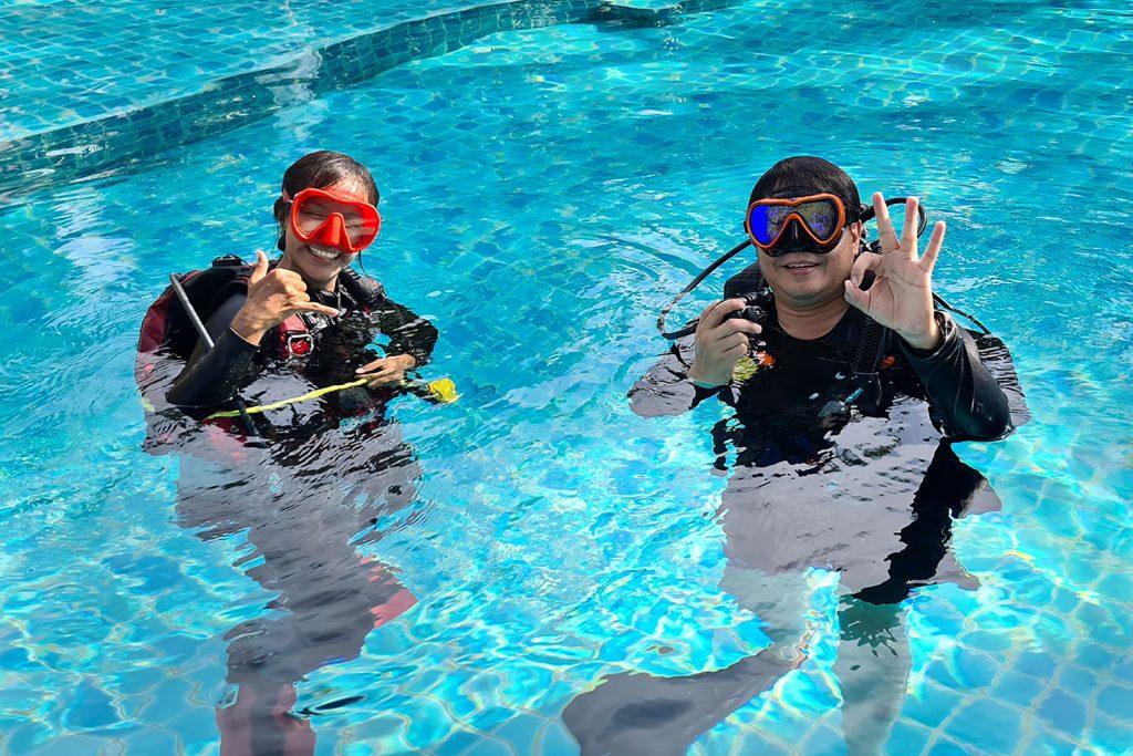 ฝึกดำน้ำลึก Sairee Cottage Diving