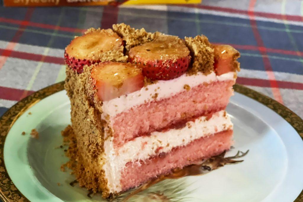 Pink Almond Strawbery Soft Cake - A pink rabbit and bob